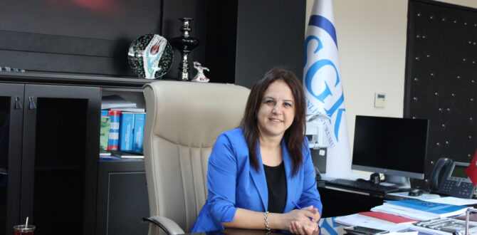 Sosyal Güvenlik Kurumu Tekirdağ İl Müdürü Fatma Derya ALAN vatandaşlara yapılandırma ile gelen avantaj ve fırsatlardan yararlanma çağrısında bulundu.