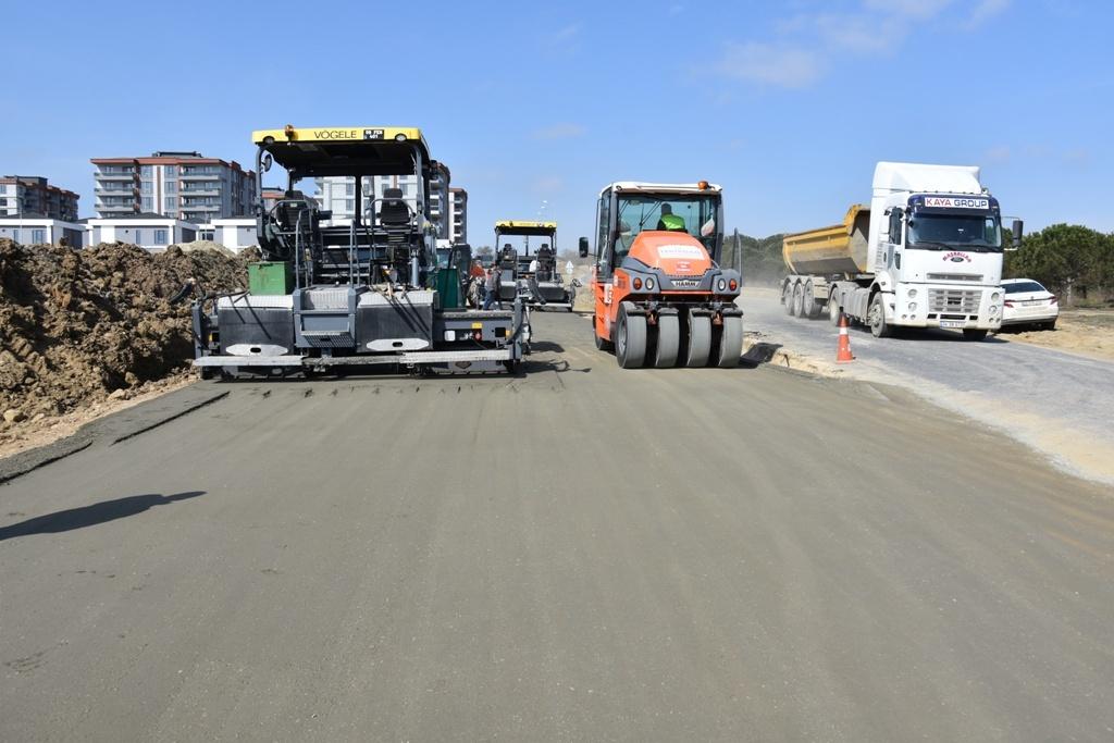 Büyükşehir Belediyesi Yol Yapım Çalışmalarında Sezonu Açtı